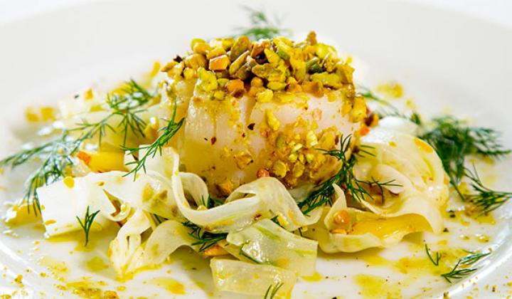 Pistachios-Crusted Scallops with Fennels and Peach Salad